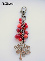 RED bag charm (ACBeads) Tags: red tree glass vidro beads artesanato vermelho bead accessories beaded glassbeads beadwork bagcharm beadedbagcharm acbeads acbeadsjewellery enfeitedemala