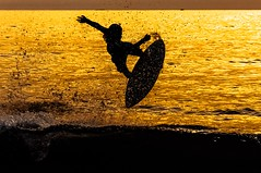 Skimboard at Sunset (rudolphlomax) Tags: skimboard skim board sunset against light sunlight nikon nikond90 d90 105mm noth shore sp surf surfing aerial perfectshoot perfect flat day dupretto skims pauba sao sebastiao paulo rudolph lomax fotografia watersports ocean radical sports sport brasil brazil
