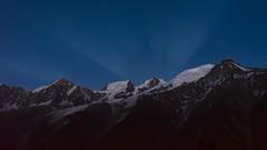 Stars and glow over the Mont-Blanc range ! Etoiles et lueurs sur le massif du Mont-Blanc ! (Claude Jenkins) Tags: longexposure france night stars nikon glow d750 chamonix nuit montblanc etoiles hautesavoie poselongue lueurs