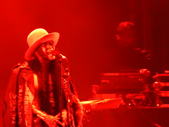 (kristen mckeithan) Tags: eaux claires 2016 eauxclaireswi music festival eau claire wisconsin august nightfall night dark erykah badu hat red 13th