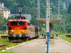 Regiotrans in Predeal (bel Biszak) Tags: gara tren romania cfr train electrica gfr marfar freight coach vagon passanger 2055 2054 2147 te rama ea craiova electric zug bahnhof