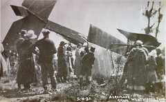 Plane crash at Wentworth Falls, N.S.W. - 2 October 1920 (Aussie~mobs) Tags: wentworthfalls bluemountains australia plane crash october 1920 dehaviland aeroplane aviation accident