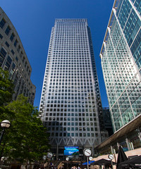 The Cut to the Thames August 2016 (23 of 42) (johnlinford) Tags: canarywharf canon canonefs1022 canoneos7d docklands jubileegardens london onecanadasquare skyscraper uk urban landscape
