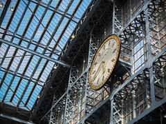 St Pancras (Florine.C) Tags: london londres england uk united kingdom st pancras station clock gare horloge kings cross