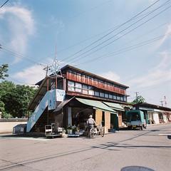 R1-43 -  (redefined0307) Tags:     zenzabronicas2 zenzabronica bronicas2 fujifilmpro400h mediumformat cityscape city architecture japan niigata travel