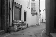 _DSC5997a (andy.sheppard) Tags: nikon d700 50mmf14g black white cumbria penrith backstreet barrels