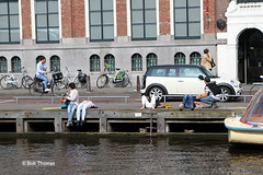Oude Turfmarkt - Rokjesdag in Amsterdam (Bobtom Foto) Tags: amsterdam martin zomer lente vondelpark bril rokjesdag