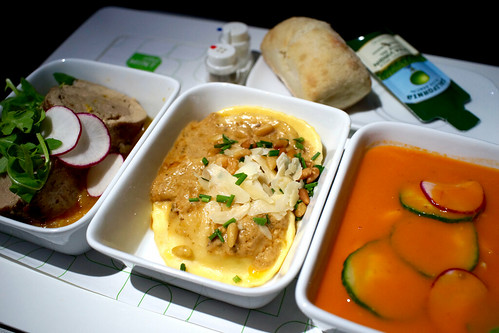 Pork tenderloin porchetta / Burrata stuffed ravioli / Chilled Tomato soup on jetBlue Mint JFK-SFO