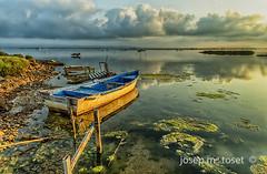 racons del delta (Josep M.Toset) Tags: aigua barca baixebre catalunya d800 deltadelebre josepmtoset matinada mar marina mediterrani nvols paisatges pesca sortidadesol lucroit hitech