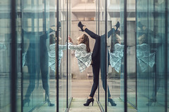 (dimitryroulland) Tags: nikon d600 85mm 18 dimitry roulland paris france ladefense urban street city reflection gym gymnast gymnastics flexible people flexibility performer art split natural light