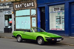 (Zak355) Tags: rothesay isleofbute bute scotland scottish triumph classiccar convertible car tr7 green old vintage classic