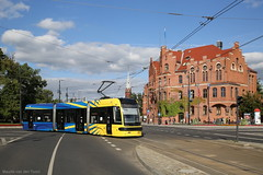 Kleintje Swing (Maurits van den Toorn) Tags: tram tramway tranvia streetcar strassenbahn villamos elctrico polen poland thorun thorn pesa swing niederflur lowfloor