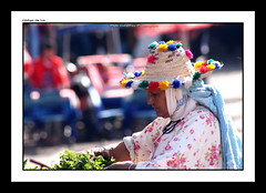 "CAMPESINA RIFEA (CODIGO DE LUZ ""El Fotgrafo"") Tags: chichia gorro mercadotradicional chaouen chefchaouen mujer campesina regindelrif gorrorifeo marruecos tipismo mercadillo pgutierrez pepegutierrez cdigodeluz"
