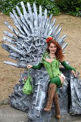 @ FESTA DELL' UNICORNO (fabiogis50) Tags: festadellunicorno vinci 2016 cosplay cosplayer cleavage girl green sexy red gameofthrones iltronodispade