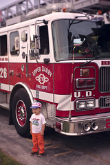 Toddler and fire engine (Scott SM) Tags: upper darby fireworks fourth july fourthofjuly two 25 year old toddler flag hat firetruck fire truck engine