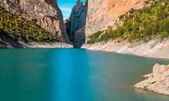 IMG_6676 (carlosmotje) Tags: montrebei paisaje naturaleza lago colores vivos precipicio arboles nubes montaa desfiladero vertigo escaleras monte cielo larga exposicin filtro nd 1000