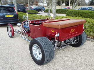 Classic English Ford model T Hot Rod - White Rose