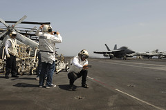 USS Theodore Roosevelt (CVN 71)_150525-N-FI568-352 (U.S. Naval Forces Central Command/U.S. Fifth Fleet) Tags: flightdeck mediterraneansea flightops may25 davidcook