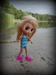 Paskuda (pe.kalina) Tags: blythe doll petite petshop hasbro swiming