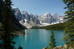 Moraine Lake (Stefan Jrgensen) Tags: morainelake lake water mountains bluesky canada canadianrockies rockymountains sony dslra700 dslr a700 banffnationalpark