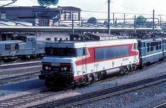 15052  Mulhouse  04.08.86 (w. + h. brutzer) Tags: mulhouse eisenbahn eisenbahnen train trains frankreich france railway elok eloks lokomotive locomotive zug 15000 sncf webru analog nikon