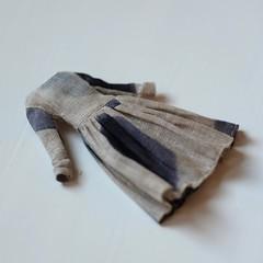 Open weave linen dress for Blythe (Tirin & Katten) Tags: linen fabric dollclothes