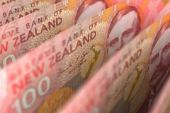 Foreign exchange - Aussie holds regular, kiwi strikes larger forward of U.S. knowledge (majjed2008) Tags: ahead aussie data forex higher holds kiwi moves steady us