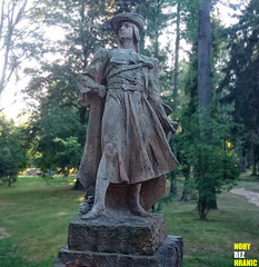 Sochask park Hoice #05 (FeetNoBorders) Tags: stone stoned sandstone sandstoned tourism tourist turistika europe european republic czech czechoslovakia r cz esk echy hoice v podkrkono socha statue monument landmark old colorfull colou colourfull warm big wide detail man roma romance human contrast traditional gothard