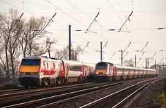 91108 & 43313 Copmanthorpe 13/03/2016 (Flash_3939) Tags: 82209 bn04 91108 43313 43320 class91 electric locomotive class43 hst highspeedtrain virgintrains 1e18 1s22 copmanthorpe ecml eastcoastmainline rail railway train march 2016
