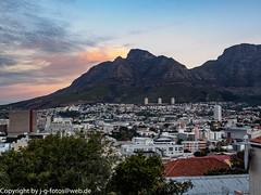 Cape Town (xrxss15) Tags: africa architecture architektur berg capetown city clouds himmel kapstadt landscape landschaft mountain natur nature sky skyline southafrica sunset tablemountain tafelberg westerncape wolken