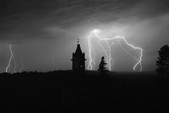 Lampi: fuori, nel buio, temporale (giorgiorodano46) Tags: luglio1975 july 1975 giorgiorodano temporale storm orage marche italy blackwhite fulmini lightning clair