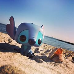 Stitch at the beach! (pullip_junk) Tags: popvinyl experiment626 funko pop funkopop liloandstitch disney stitch
