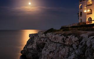 Full moon mood
