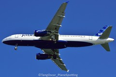 DSC_0672_664 (thokaty) Tags: jetblue airbus a320 a320232 babyblue kbos bostonloganairport n521jb eis2001