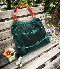 Japanese Crochet Bag กระเป๋ากำมะหยี่ผสมผสานงานถักปัก และโครเชต์ เป็นงานญี่ปุ่น นำเข้า มีใบเดียว 🌵🌵🌵🌵 #gypsy #gypsystyle #gypsyshop #handmade #handicrafts #boho #bohemian #bohostyle #diy #beach #bag #crochet #hip #hippie #pompom