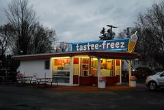 Tastee Freez, Delmar, NY (63vwdriver) Tags: new york ny ice vintage stand neon cone cream queen dairy jims delmar sundae freez tastee