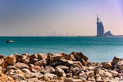 Dubai (Edi Bähler) Tags: architektur burjalarab dubai felsblock gewässer hotpick meer natur vae vereinigtearabischeemirate acatarchitektur architecture nature sea waters nikond810 24120mmf4