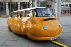 Curry Bus (hmboo Electrician and Adventurer) Tags: art vw kunst wolfsburg t2 currywurst fett erwinwurm aufgeblasen kunstmuseumwolfsburg currybus