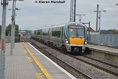 22062+22052 pass Portlaoise, 14/5/15 (hurricanemk1c) Tags: irish train rail railway trains railways irishrail rok rotem portlaoise 2015 icr iarnrd 22000 22062 ireann iarnrdireann 3pce