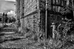 DSC_3646 (Kubiii Photography) Tags: gelb photography nikond7000 nikon nikonphotography leipzig kubiiiphotography lostplaces lost places blackwhite urbex urbexworld abandoned abandonedplaces picture scary grey