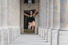 Volando (LACPIXEL) Tags: nati danseuse artiste bailarina dancer artista artist dance colonnes columnas cour palaisroyal paris france nikon nikonfrance d4s fx flickr lacpixel