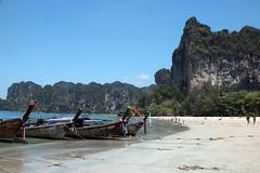 IMG_1062 Railay Beach,Thailand (suebmtl) Tags: thailand krabi railaybeach tourists vacation thai karst mountains andamansea tail longtailboat water seascape attraction tourist asia blue recreation fun sunny