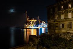Zahn der Zeit (Niklas Neubauer) Tags: old new cityscapes night long time exposure nikon d810 2470mm28