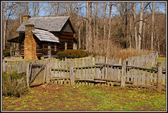 Mountain Farm Museum - HFF (Jerry Jaynes) Tags: chimney mountains fence nc gate northcarolina cherokee loghouse hff splitrailfence oconalufteevisitorcenter mountainfarmmuseum rockchimney nikkor1685vr greatsmokymountainsnationalparkl fencefriday balsamgsmnpsylva