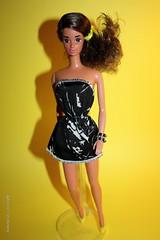 My Fashion Play Hispanic Barbie 1991. Barbie Wears the Fashion Extras n #4907, 1983. (limoneazzurroph) Tags: fashion play barbie extras 1991 hispanic wears my