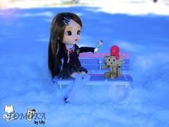 Tomoka y Danna (> Lily <) Tags: snow nova de outside doll lily handmade stock bank el taller pullip nina lollipop danbo tomoka takochu