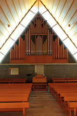 Orgel - Kirchenorgel der Reformierte Markuskirche Bettlach ( Kirche - Church - Eglise - Chiesa - Baujahr 1959 ) im Dorf Bettlach im Bezirk Lebern im Kanton Solothurn der Schweiz (chrchr_75) Tags: christoph hurni schweiz suisse switzerland svizzera suissa swiss chrchr chrchr75 chrigu chriguhurni juni 2015 hurni150603 albumzzzz150603velotourbielsolothurn albumregionsolothurnhochformat kantonsolothurn albumkirchenundkapellenimkantonsolothurn kirche church eglise chiesa chriguhurnibluemailch albumzzz201506juni juni2015 albumkirchenorgelnderschweiz kirchenorgeln kirchenorgel orgel organ organe urut orgán organo 臓器 órgão órgano musik music musikinstrument instrument chiuche iglesia kirke kirkko εκκλησία 教会 kerk kościół igreja церковь église temple