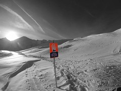 (suitoffexpo) Tags: offroad piste offpiste sign warning avalanche snowboard ski mountaintop ishglmountaintop austria mountainview mountain snow afternoon