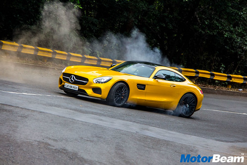 Mercedes-AMG-GT-S-15