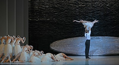 Adam Bull, Amber Scott (and company dancers) (DanceTabs) Tags: ballet dance dancers coliseum swanlake australianballet